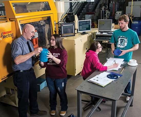 Mechanical Engineering students at Penn State Behrend