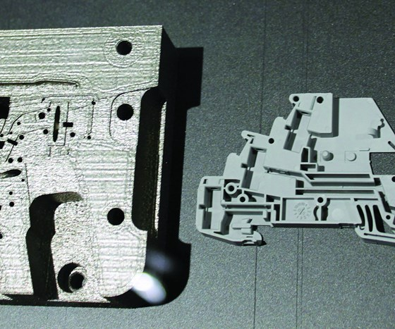 Additively manufactured injection mold