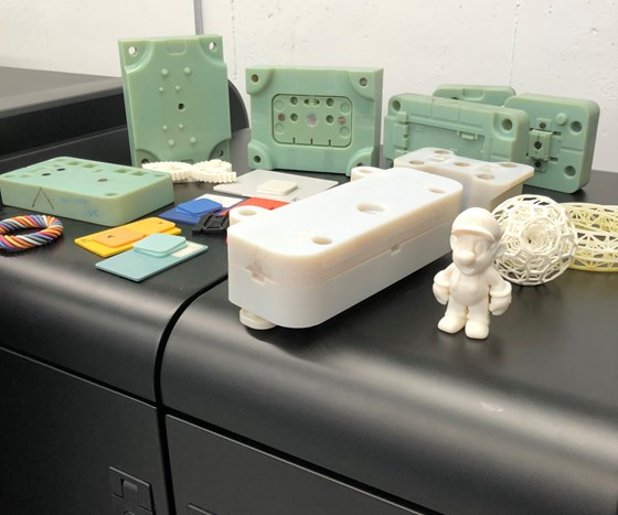 Plastic parts and prototype molds created with additive manufacturing technology