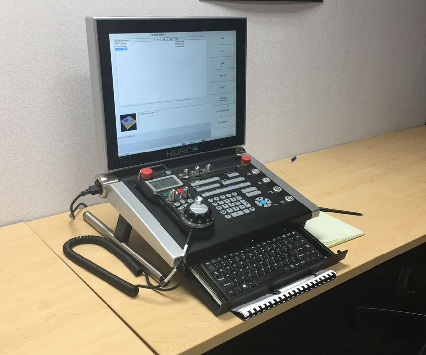 Training console for CNC programming software WinMax in the training center at Hurco