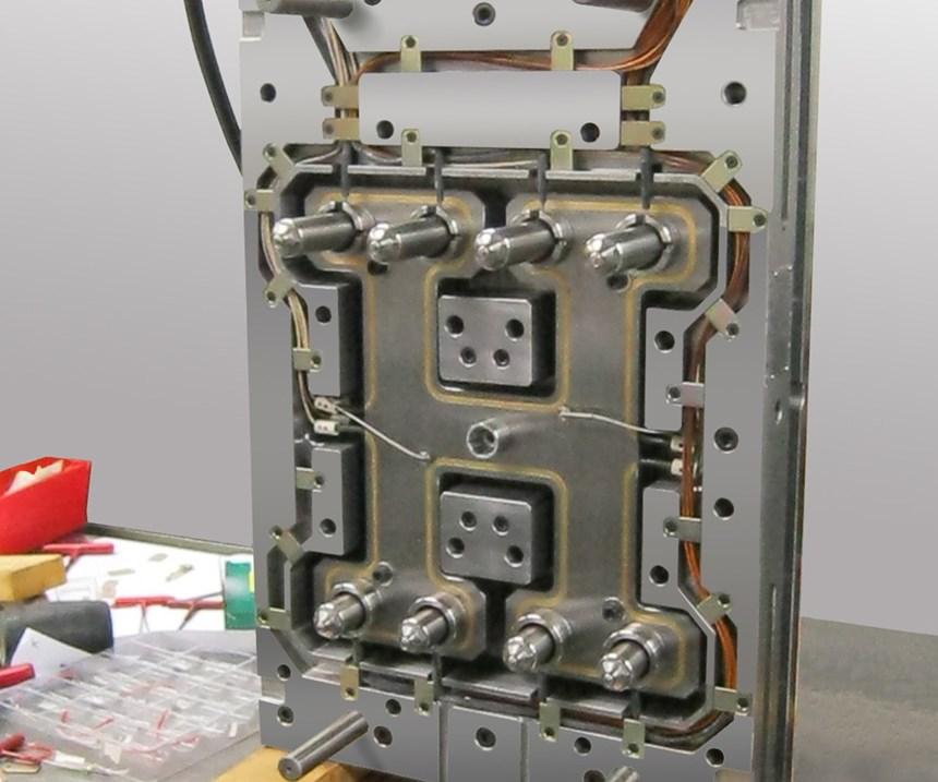 valve-gated hot half