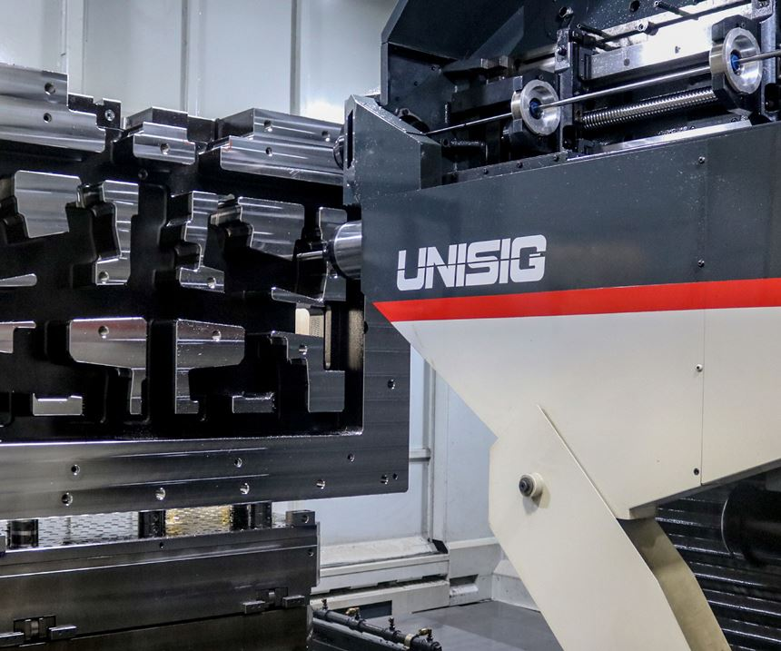 Unisig USC-M38 multitasking machining center at Concours Mold Inc.