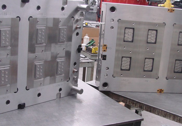 8-cavity valve-gated mold from Buss Precision Mold Inc.