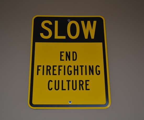 end firefighting sign