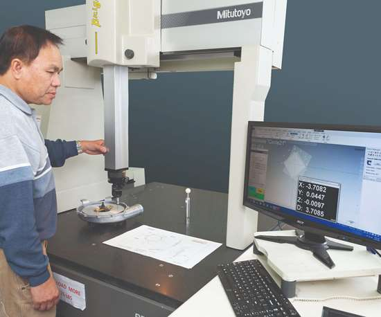 Hyatt Die Cast using Verisurf software to inspect parts.