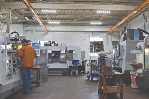 Michigan Mold Builder Gets Busines Savvy and Adds Vibration and Hot Plate Welding Services image
