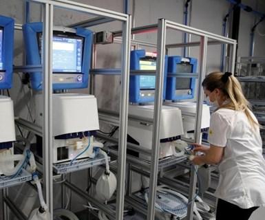 Empresas de autos y aviones buscan acelerar la provisión de ventiladores respiratorios