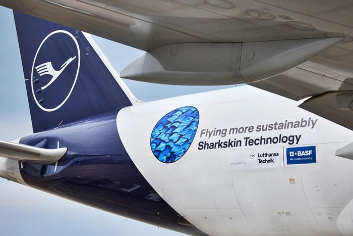 Lufthansa y BASF lanzan tecnología de superficie que imita la piel del tiburón