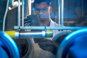 GM impulsa inversiones en vehículos eléctricos y autónomos