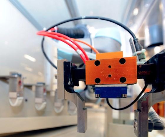 robot applying coatings