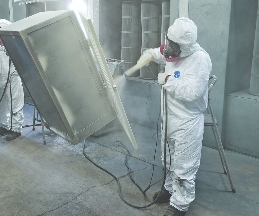 man powder coating