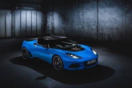 Sports Car Manufacturer Embraces Automation with Dürr image