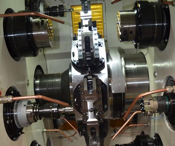 Trunnion style machine
