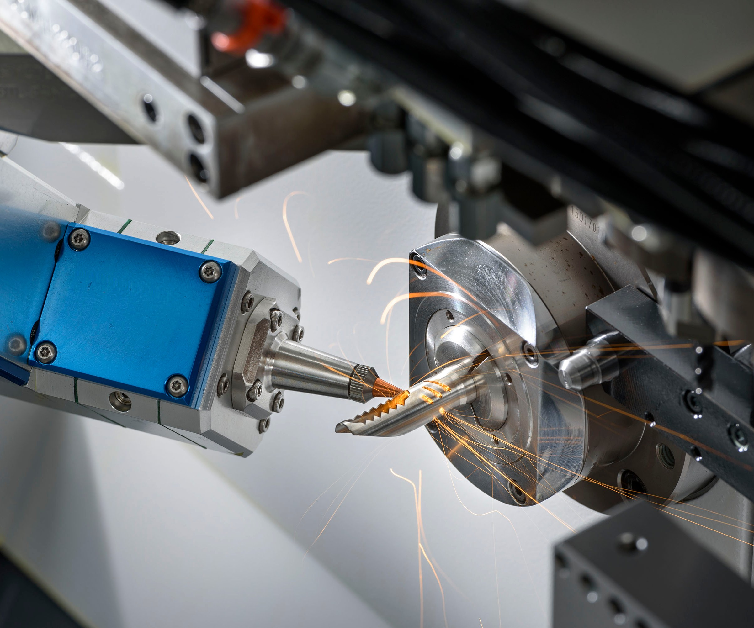 Low Frequency Vibration cutting technology