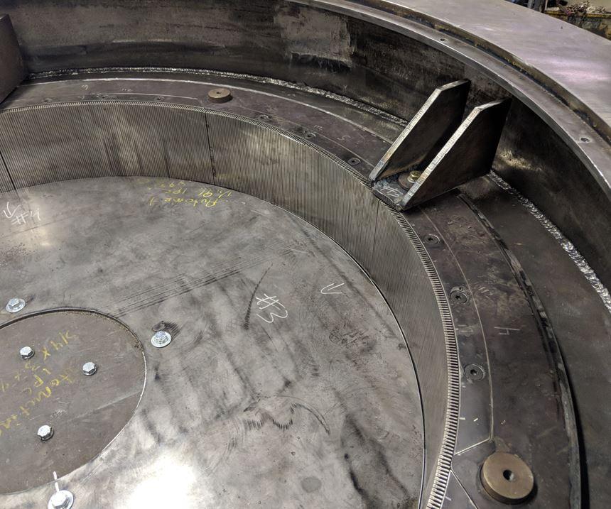 Air blades mounted on upper rim