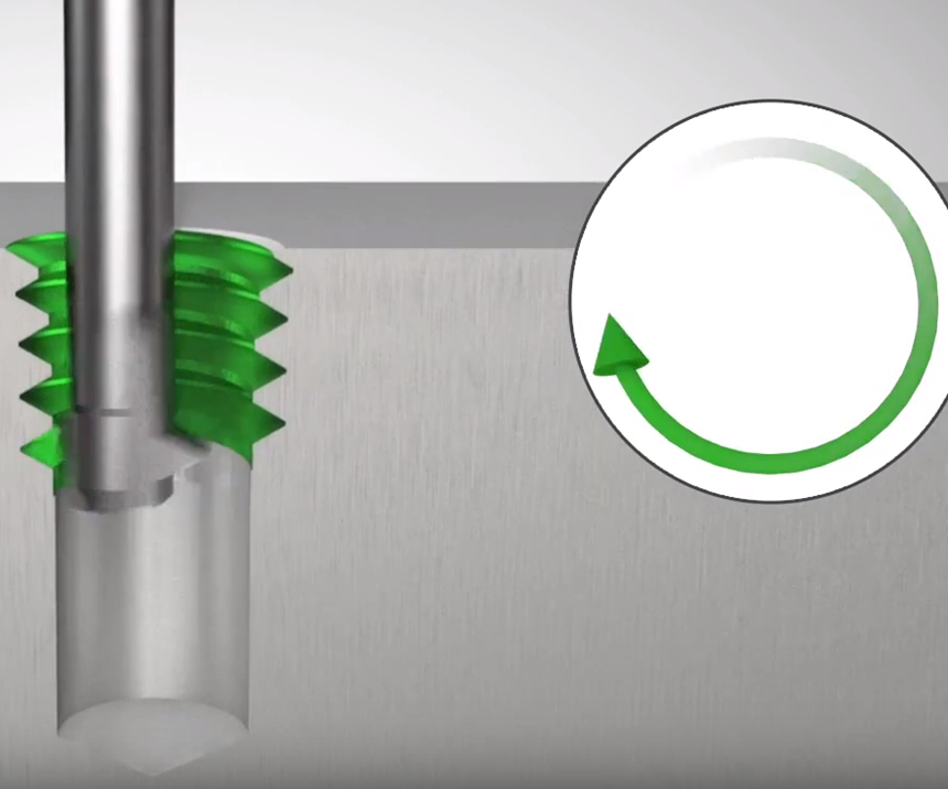 The thread whirler GWi5000 enters the hole with a counter clockwise rotation, left-hand cut, cutting the thread from top to bottom.