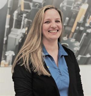 Emerging Leader Lindsey Bender Offers Customer Service Excellence