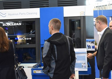 attendees at parts2clean visiting exhibit