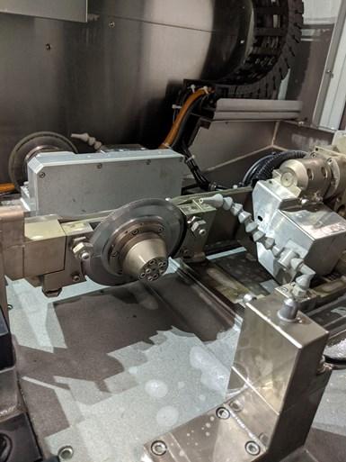 Trunnion dresser in a grinding machine