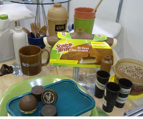 Productos fabricados con materiales biobasados.