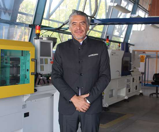 M. en I. Víctor Hugo Lara Pelayo, director de la división industrial de la UTEQ.