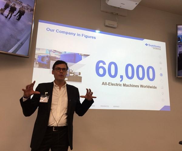 Alexander Kramer destaca que Sumitomo Demag tiene 60,000 máquinas eléctricas instaladas en el mundo.