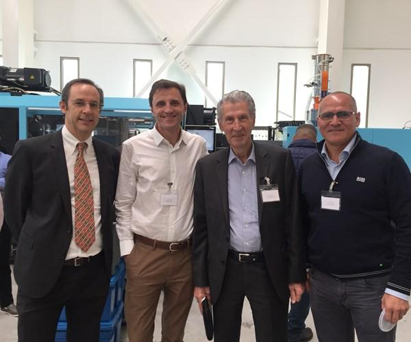 Chris Day (StackTeck), Sandy Almirall (Weener Plastics), Peter Kramer (Avance Industrial) y Federico López (Weener Plastics).