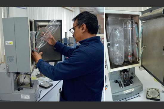Las fotografías muestran la evaluación de transmisión de Oxígeno en envases de PET.