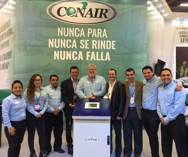 Parte del equipo de Conair en México.
