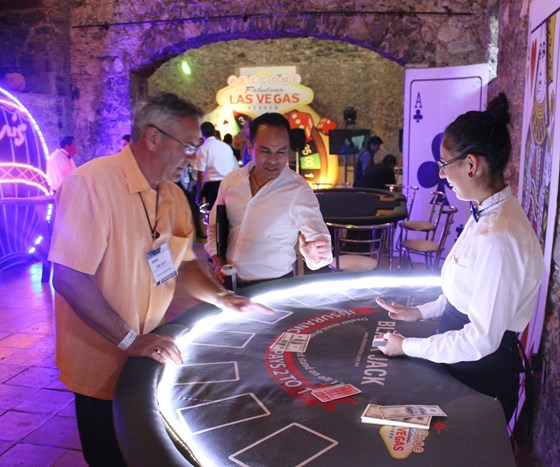 Inyección 360 grados, noche de casino