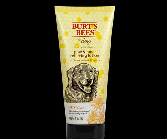 empaque deBurt's Bees for dogs primer tubocon plásticoreciclado post-consumo