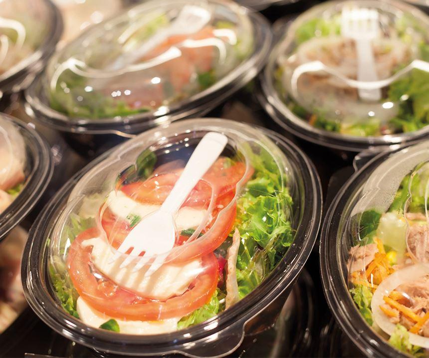 Es posible utilizar materiales reciclados en empaques para el sector de alimentos si se cumplen las disposiciones regulatorias establecidas