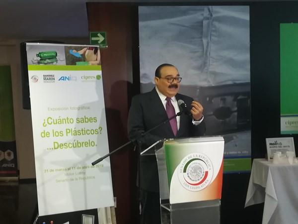 Senador Jorge Carlos Ramírez Marín, durante la inauguración.