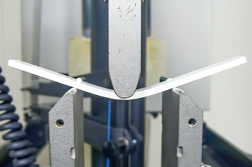 Las propiedades mecánicas y la estabilidad dimensional de una pieza se afectan en gran medida por los niveles y la uniformidad de los esfuerzos en el molde.