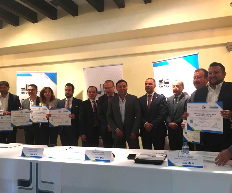 Firma del convenio 'Cero pérdida de pellets', promovido por ANIPAC