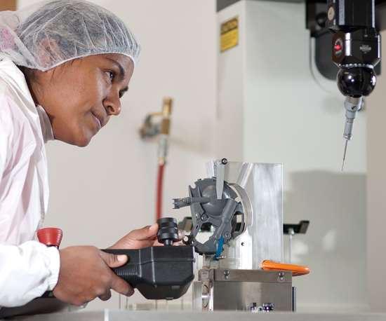 La operación de inspección con clima controlado de GW Plastics Querétaro incluye dos máquinas de medición por coordenadas.