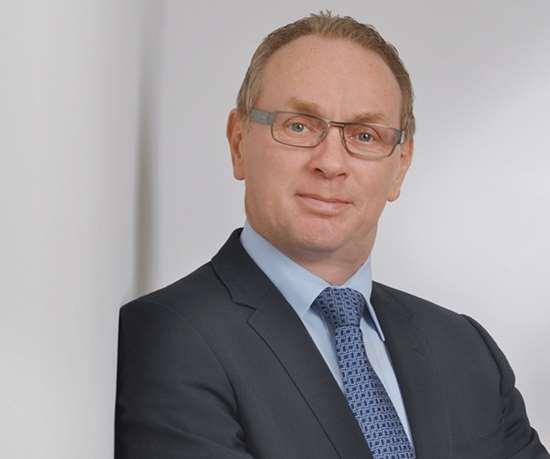Bernhard, director de la División de Manejo de Materiales del Grupo HAHN.