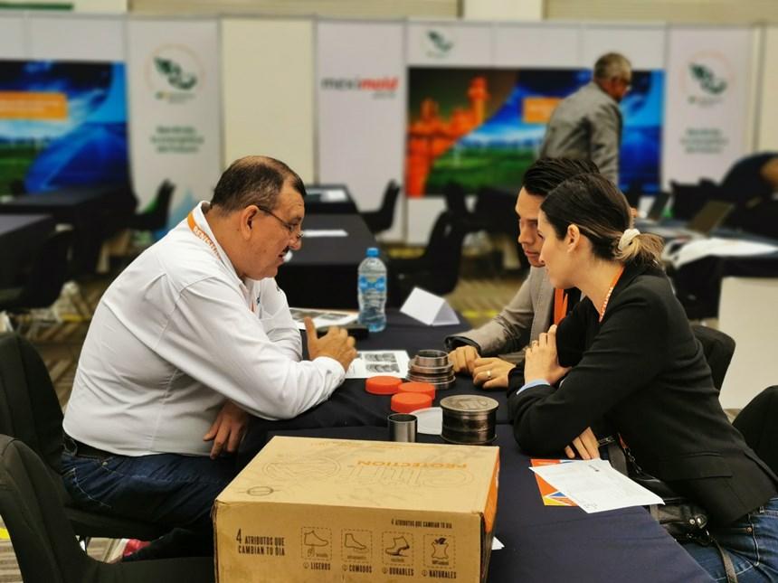 Meximold contó en esta edición con un encuentro B2B en el que más de 30 compradorespresentaron sus requerimientos de compray escucharon propuestas.
