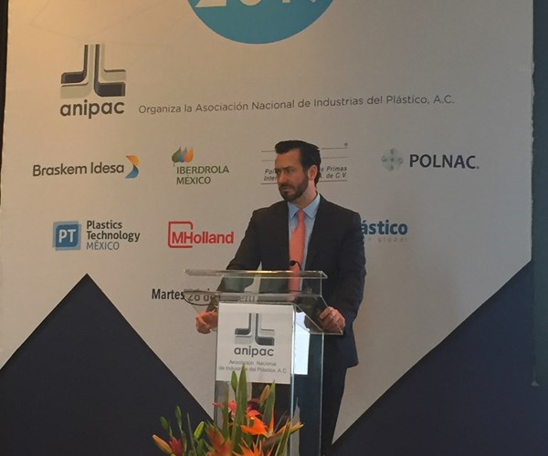 Gustavo Almaraz de Grupo Estrategia Política