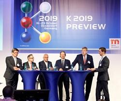 Ulrich Reifenhauser (VDMA), Dr. Oliver Mollenstadt (GKV), Dr. Rudiger Baunemann (Plastics Europe), Boris Engelhardt (Association of the German Rubber Industry), Erhard Wienkamp (Messe Dusseldorf) and Ane Birken (moderador)