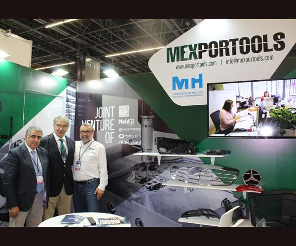 João Faustino y José Costa, de Mexportools, y doctor Enrique Villegas Valladares del Consorcio MTH.