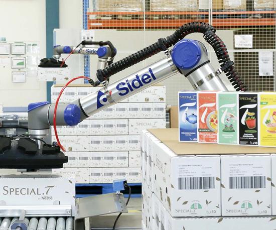 CoboAccess™_Pal, una solución de Sidel para la paletización cobótica industrial.