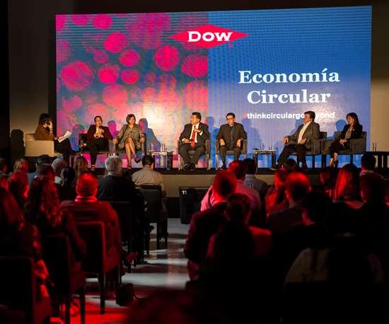 Panel sobre Economía Circular en el evento de Dow México.