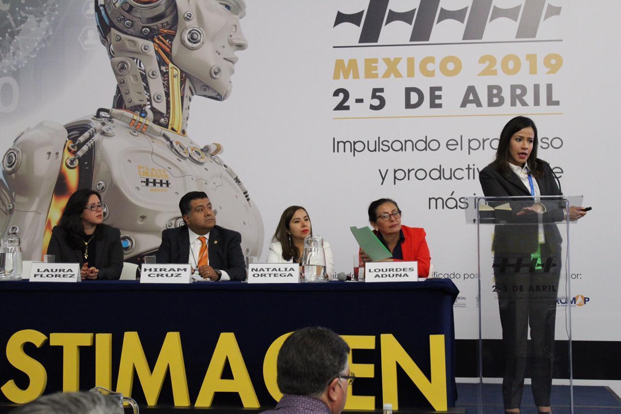 """Panel """"Panorama actual de las 5R con unenfoqueenRediseño,ReciclajeyRepensar"""", intervención de Mariana Albarrán, de Braskem Idesa."""