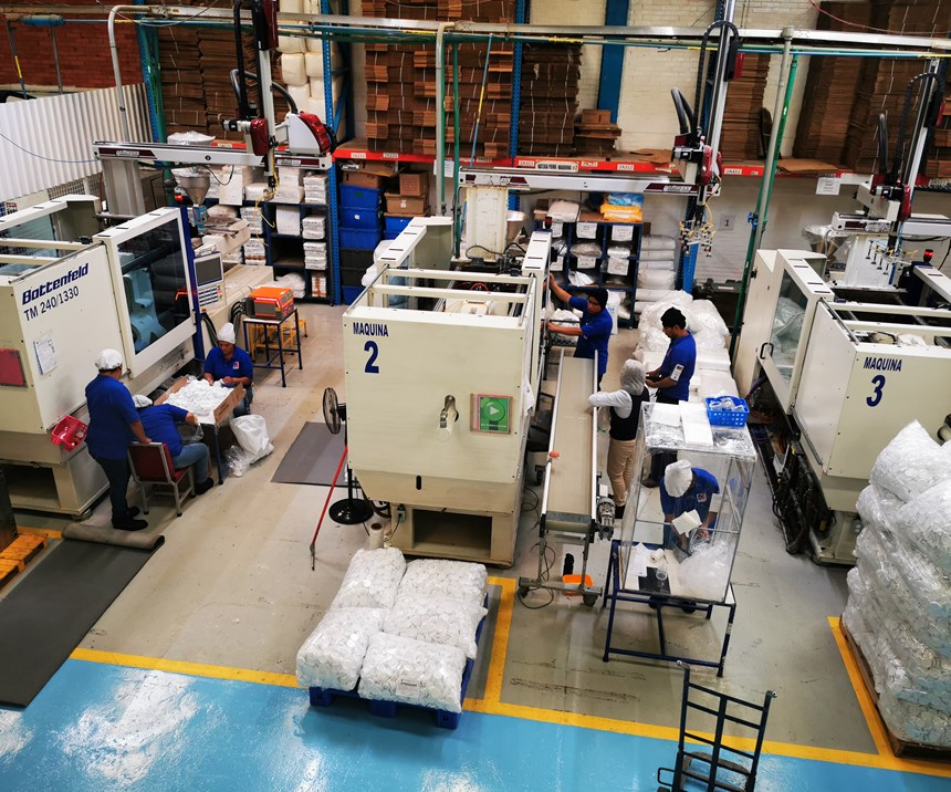 Para los directivos es muy importante destacar que todas sus inyectoras son de una sola marca y que cuentan con Wittmann Battenfeld como un socio tecnológico.