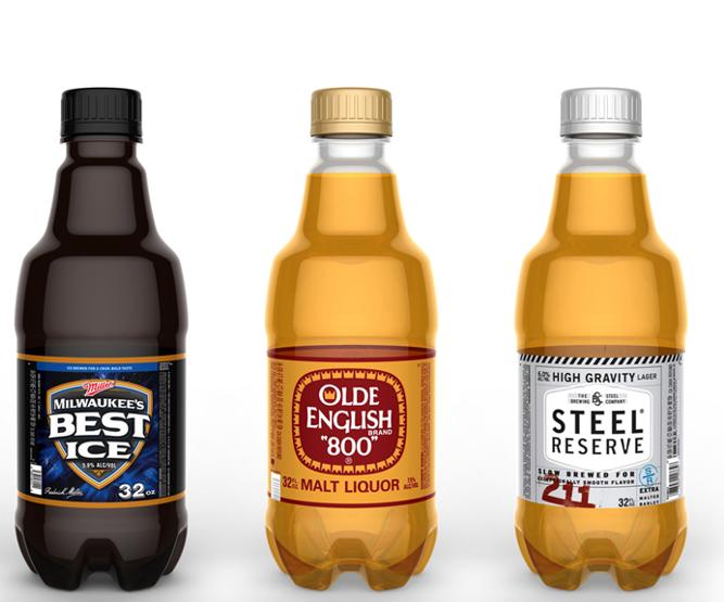 Si bien los plásticos comprenden menos del 2 % de la mezcla global de envases por peso,Molson Coors Brewing Co. busca lograr al menos un 30 % de contenido reciclado en sus botellas de PET, película plástica y anillos de plástico.