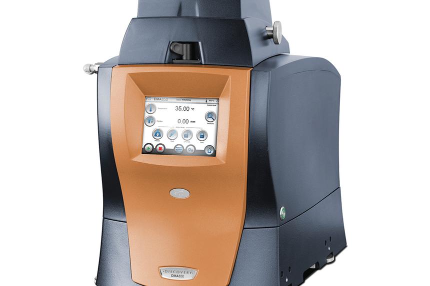 El análisis mecánico dinámico (DMA) se ha propuesto como una alternativa más válida a la HDT durante al menos 20 años, las actuales aplicaciones de ingeniería más críticas para los plásticos hacen que el cambio sea aún más urgente. (Foto: DMA 850 de TA Instruments)