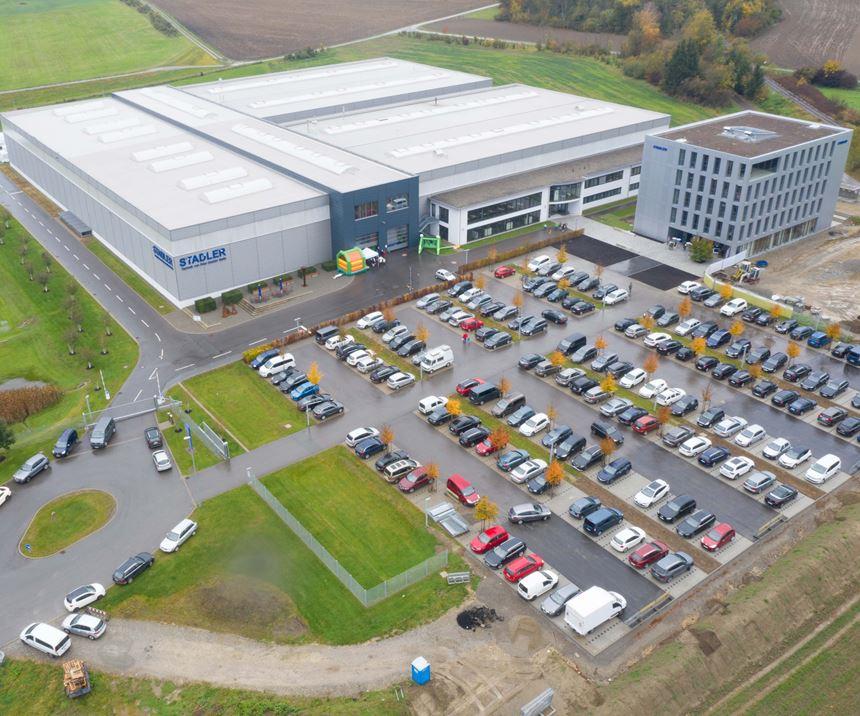 La construcción de esta nueva sede de STADLER inició en noviembre de 2013 y supuso una inversión de 30 millones de euros