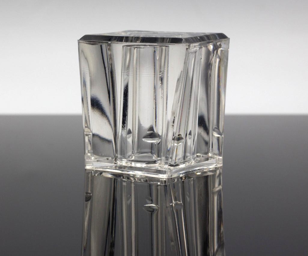 Nueva tapa para la fragancia ICE, fabricada con Surlyn, que imita los destellos del hielo.