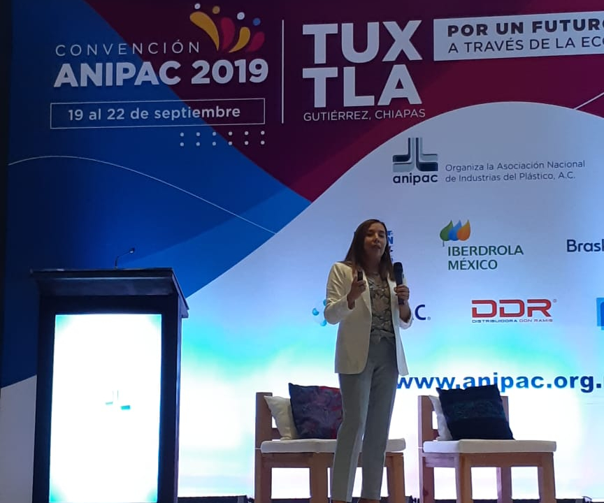 Natalia Ortega, directora editorial de Plastics Technology México.
